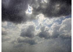 云彩下的风雨摄影