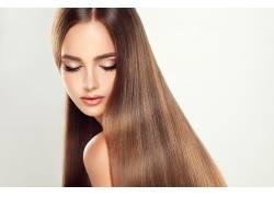 美发模特的瀑布式长发
